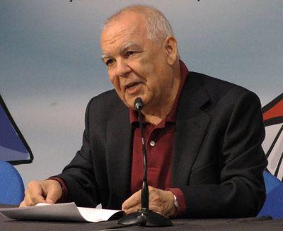 Gonzalo-Hidalgo-Bayal-biografia